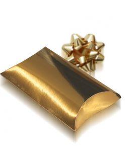 Caja de regalo sobre metalizado