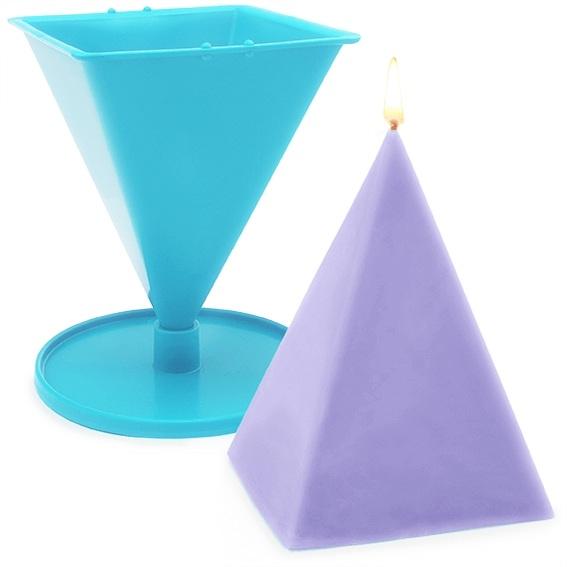 Molde velas piramide plastico 9x11,5 cm