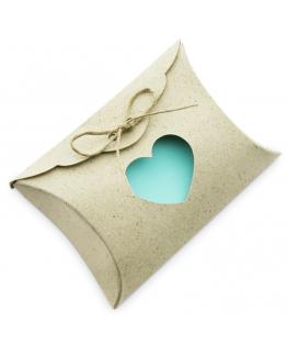 Caja kraft con corazon para regalo