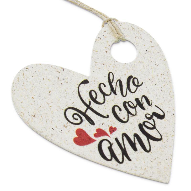 Etiquetas de carton corazones hecho con amor