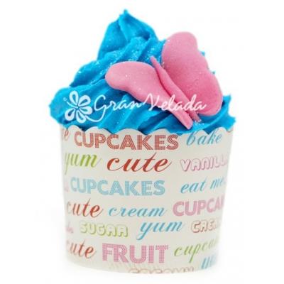 Capsulas de cupcake com letras coloridas