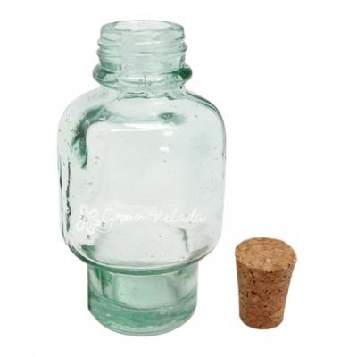 Botella de vidrio reciclado con tapon de corcho